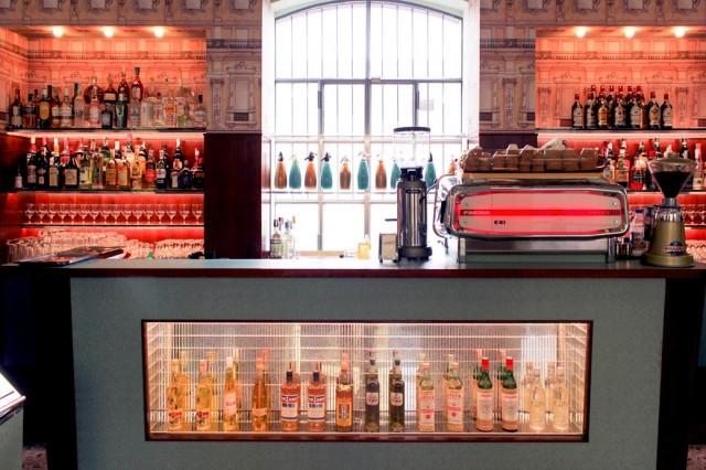 wes-anderson-bar-luce-milano-prada-galleria-mia